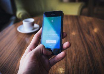 Postfaktizität zwischen Bullshit, Lüge und Propaganda – eine Spurensuche auf Twitter